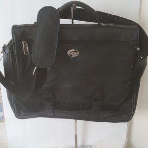 Leather American tourister messenger bag